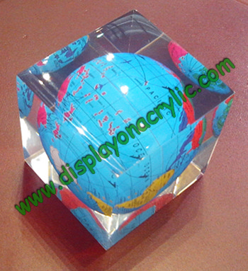 acryliccube paperweight